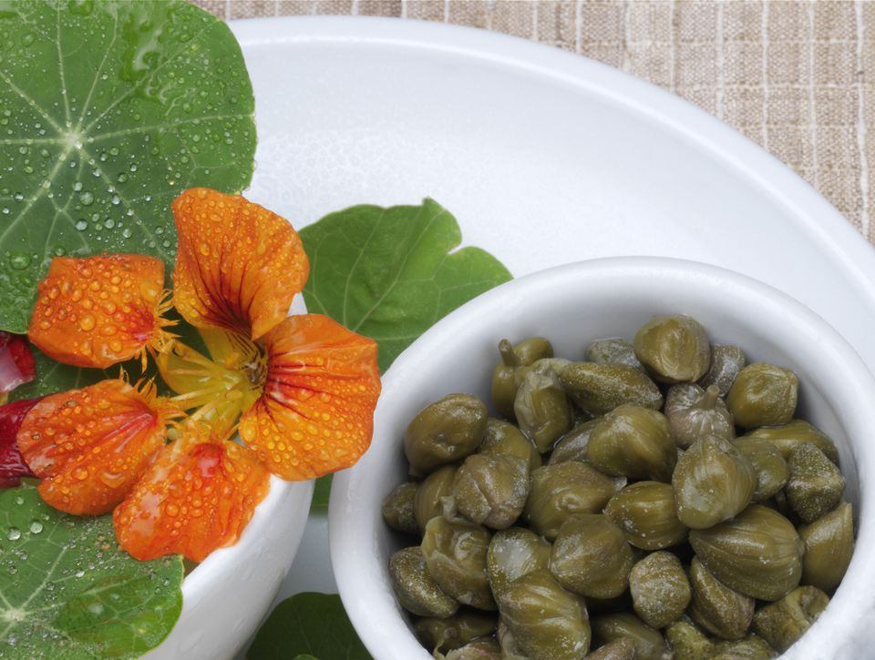 Capers seeds